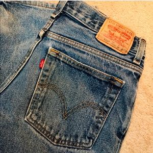 💃HOST PICK🎉Levi's 550 Relaxed fit 28x28 ZIP fly